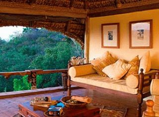 honeymoon suite elsa's kopje meru national park